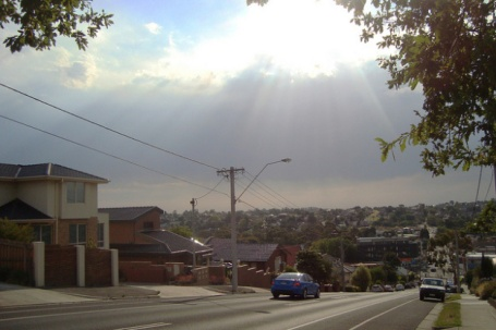 Extreme heatwave as stormclouds gather at Pascoe Vale