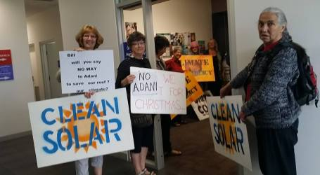 DarbinCAN and CAMoreland take the protest to Bill Shorten's office