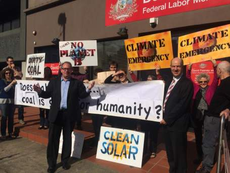 David Feeney and Kelvin Thompson with members of Darebin CAN and CAMoreland in Northcote